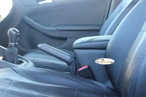 Подлокотник для VW Jetta 6