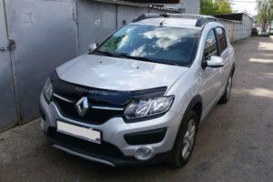 Дефлектор капота (мухобойка) Renault Sandero
